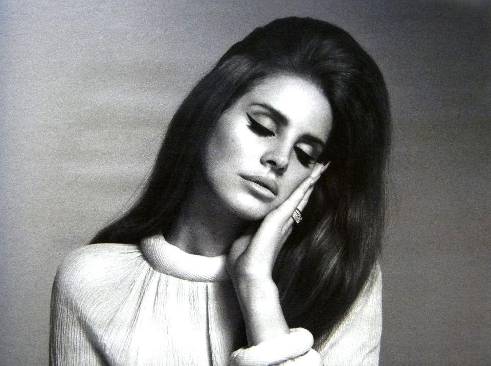 Lana Del Rey Covers Leonard Cohen S Chelsea Hotel No 2