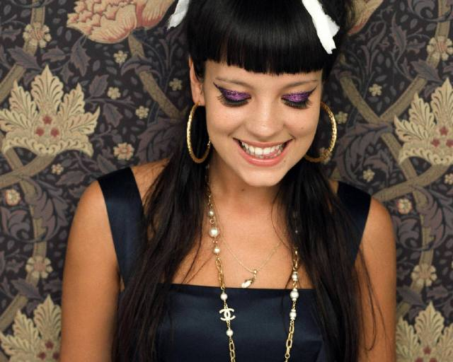 Lily Allen Somewhere Only We Know